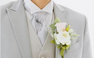 新郎胸花的佩戴方式和讲究有哪些呢?